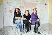 """21 Novembre 2017, Scampia Italia - (Da sinistra verso destra) Marianna Ferraro, Antonella Russo, Roberta Fiore, Volontarie della onlus """"WeWorld"""" all'interno dello spazio donna nel quartiere Scampia alla periferia di Napoli."""