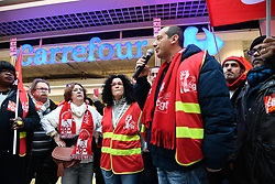 February 5, 2018 - Paris, France - Employees of the Carrefour france group, assisted by a Belgian delegation, demonstrate against the Bompard plan at the Montreuil near Paris crossroads on 5 February 2018. (Credit Image: © Julien Mattia/NurPhoto via ZUMA Press)