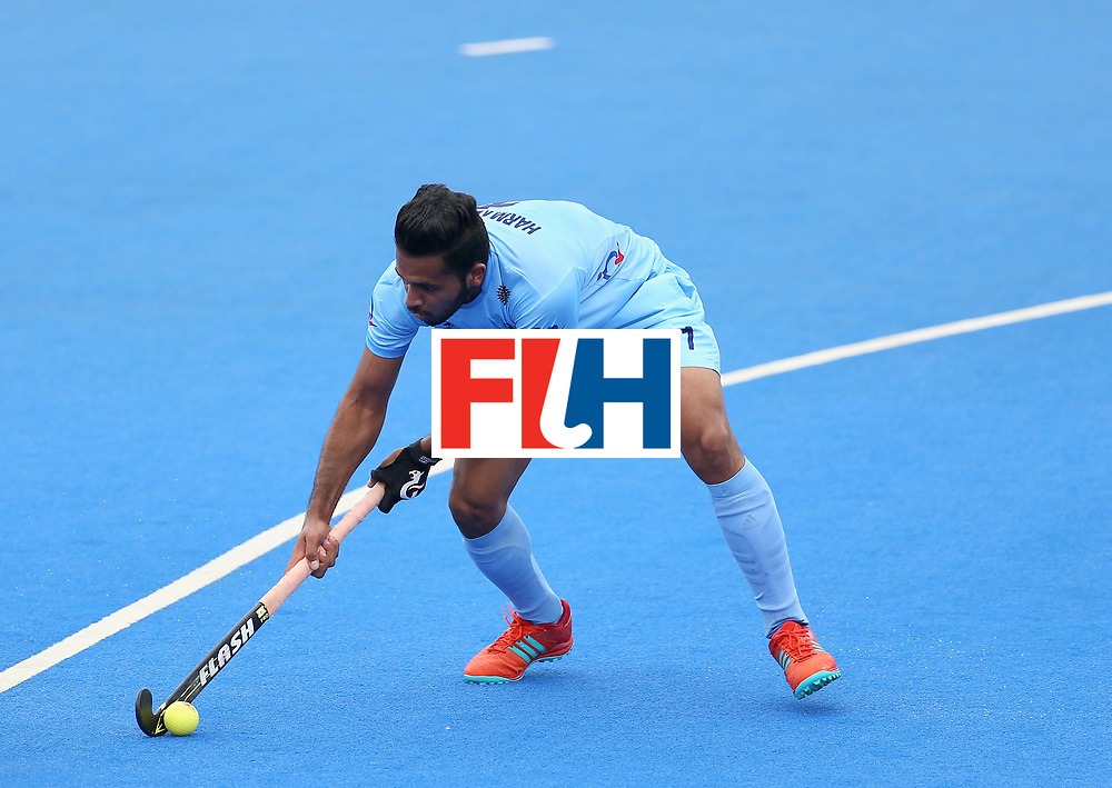 LONDON, ENGLAND - JUNE 25: Harmanpreet Singh of India attempts a shot from a penalty cornersduring the 5th/6th place match between India and Canada on day nine of the Hero Hockey World League Semi-Final at Lee Valley Hockey and Tennis Centre on June 25, 2017 in London, England. (Photo by Steve Bardens/Getty Images)