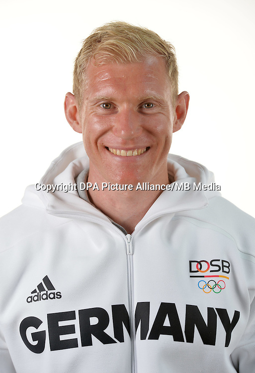 Arthur Abele poses at a photocall during the preparations for the Olympic Games in Rio at the Emmich Cambrai Barracks in Hanover, Germany. July 07, 2016. Photo credit: Frank May/ picture alliance. | usage worldwide