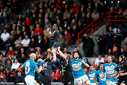 Yannick Nyanga wins the lineout. Stade Toulousain v Toulon, 11eme Journee, Top 14, Stade Ernest Wallon, Toulouse, France, 30th October 2010.
