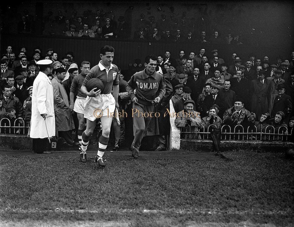 """20/10/1957<br /> 10/20/1957<br /> 20 October 1957<br /> Soccer International """"B"""" match: Ireland v Romania at Dalymount Park, Dublin."""