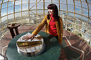 The Baiterek is the New Astana's main symbol and landmark. Visitors can lay their hand in a golden imprint of President Nursultan Nasarbaev's right hand. Doing so, they have one wish supposed to come true. Janna is trying it out.