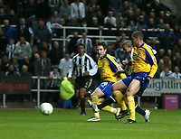 Photo: Andrew Unwin.<br />Newcastle United v Southampton. The FA Cup. 18/02/2006.<br />Newcastle's Kieron Dyer (2nd, R) fires home his team's first goal.