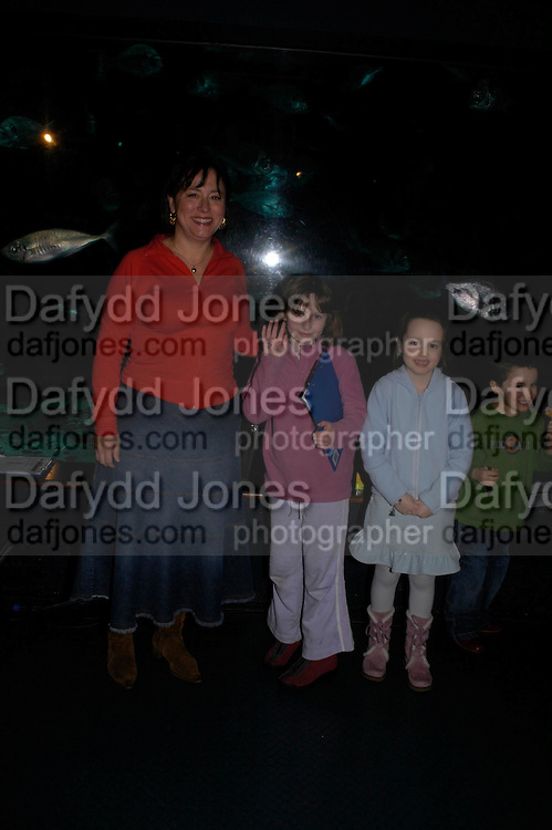 Arabella Weir, Molly Whitehouse and Isabella Weir. Charlie Higson, book launch party for  the first young Bond title, Silverfin. Introduces readers to the teenage world of 007. London Aquarium. ONE TIME USE ONLY - DO NOT ARCHIVE  © Copyright Photograph by Dafydd Jones 66 Stockwell Park Rd. London SW9 0DA Tel 020 7733 0108 www.dafjones.com