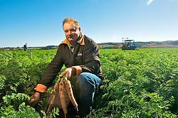 Agricultor de hortalícias, Remi Rech é descendente direto de italianos, sendo seus avós, tantos maternos quanto paternos, imigrantes vindos da Itália no princípio do século XX. Foto: Lucas Uebel/Preview.com