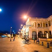 A night view of Independence Place (Plaza de la Indepencia) in Granada, Nicaragua.
