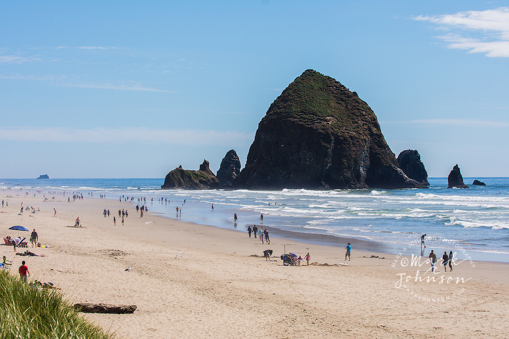 Cannon Beach & Haystack Rock, Oregon, USA