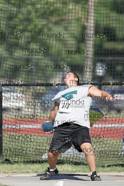 Reed MacKay competing in the juvenile boys discus at the 2007 OTFA Supermeet II. The Ontario Track and Field Association Bantam-Midget-Juvenile Championships were held in Toronto from August 3rd to 5th.