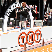 NLD/Amsterdam/20070804 - Gaypride Canalparade 2007, boot van TNT post