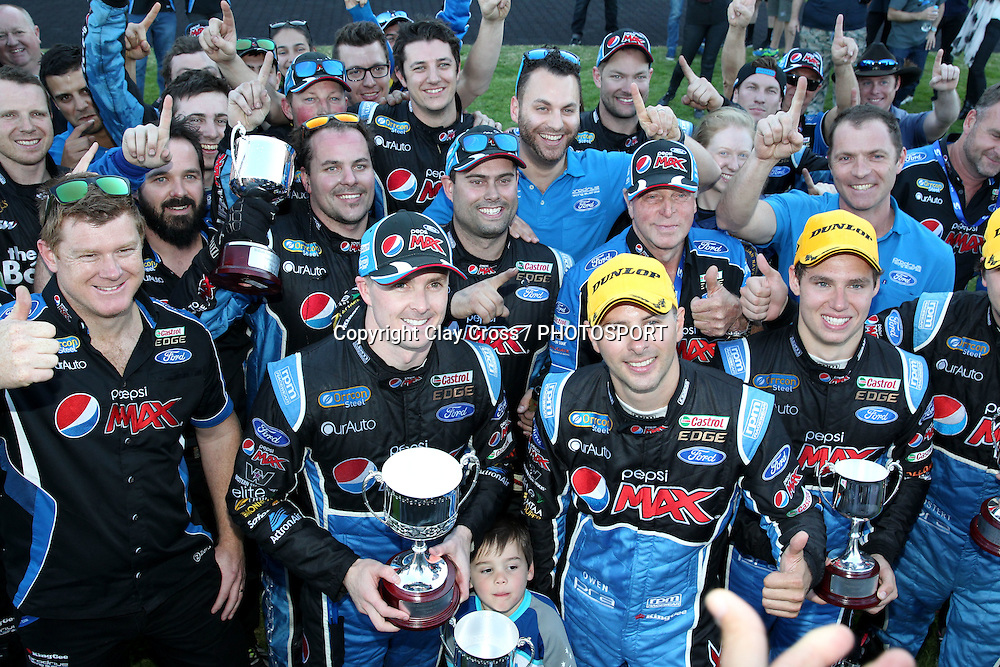 Mark Winterbottom & Steve Owen with Chaz Mostert & Cameron Waters (Pepsi Max Ford). 2015 Wilson Security Sandown 500. V8 Supercars Championship Round 9. Sandown International Raceway, Victoria. Sunday 13 September 2015. Photo: Clay Cross / photosport.nz