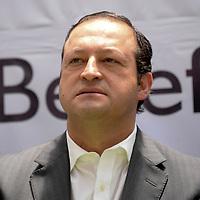Toluca, México.- José Luis Velasco Lino, Delegado federal de la Secretaria de Economía, durante la entrega de apoyos a proyectos productivos del Estado de México por parte del INAES. Agencia MVT / Crisanta Espinosa