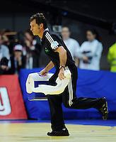 Handball EM Herren 2010 Vorrunde Deutschland - Schweden 22.01.2010 Physiotherapeut Peter GRAESCHUS (GER)