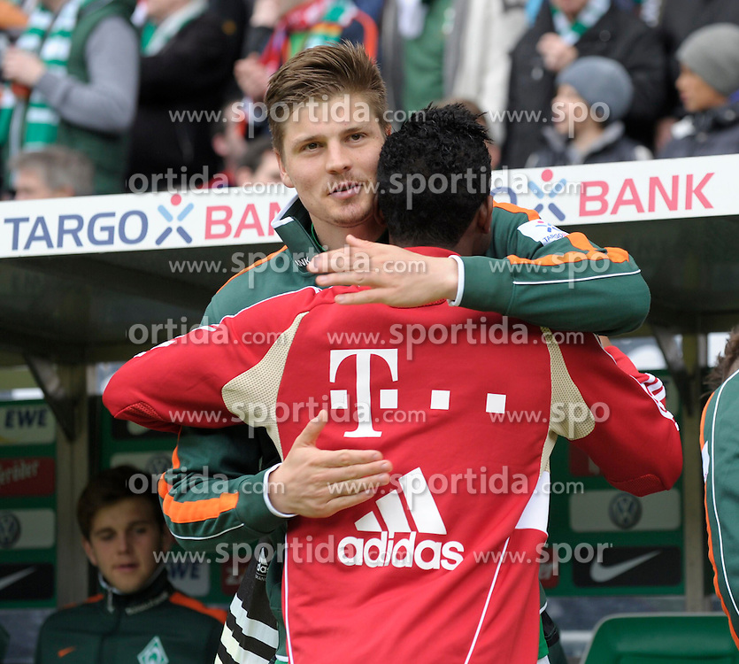 21.04.2012, Weserstadion, Bremen, GER, 1. FBL, SV Werder Bremen vs FC Bayern Muenchen, 32. Spieltag, im Bild Sebastian PROEDL ( Werder Bremen ) links, begruesst David ALABA ( FC Bayern Muenchen ) herzlich. // during the German Bundesliga Match, 32th Round between SV Werder Bremen and Fc Bayner Munich at the Weserstadium, Bremen, Germany on 2012/04/21. EXPA Pictures © 2012, PhotoCredit: EXPA/ Eibner/ Stefan Schmidbauer..***** ATTENTION - OUT OF GER *****