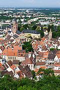 Blick auf Altstadt Weinheim mit Schloss, Baden-Württemberg, Deutschland | A view of Old Weinheim with castle, Baden-Württemberg, Germany