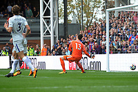 Football - 2017 / 2018 Premier League - Crystal Palace vs. Chsela<br /> <br /> Thibaut Courtois of Chelsea can only watch as Yohan Cabaye's shot flies into the net for Crystal Palace's first Premier League goal of the season at Selhurst Park.<br /> <br /> COLORSPORT/ANDREW COWIE