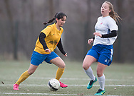 FODBOLD: Parwana Zafar (Ølstykke FC) under kampen i Sjællandsserien mellem Ølstykke FC og Herlufsholm GF den 12. april 2018 på Ølstykke Stadion (kunstgræs). Foto: Claus Birch.