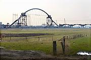 Nederland, Nijmegen, 1-3-2013Bouw van de nieuwe stadsbrug, Waalbrug, de Oversteek vordert gestaag. In april wordt hij ingevaren.Foto: Flip Franssen/Hollandse Hoogte