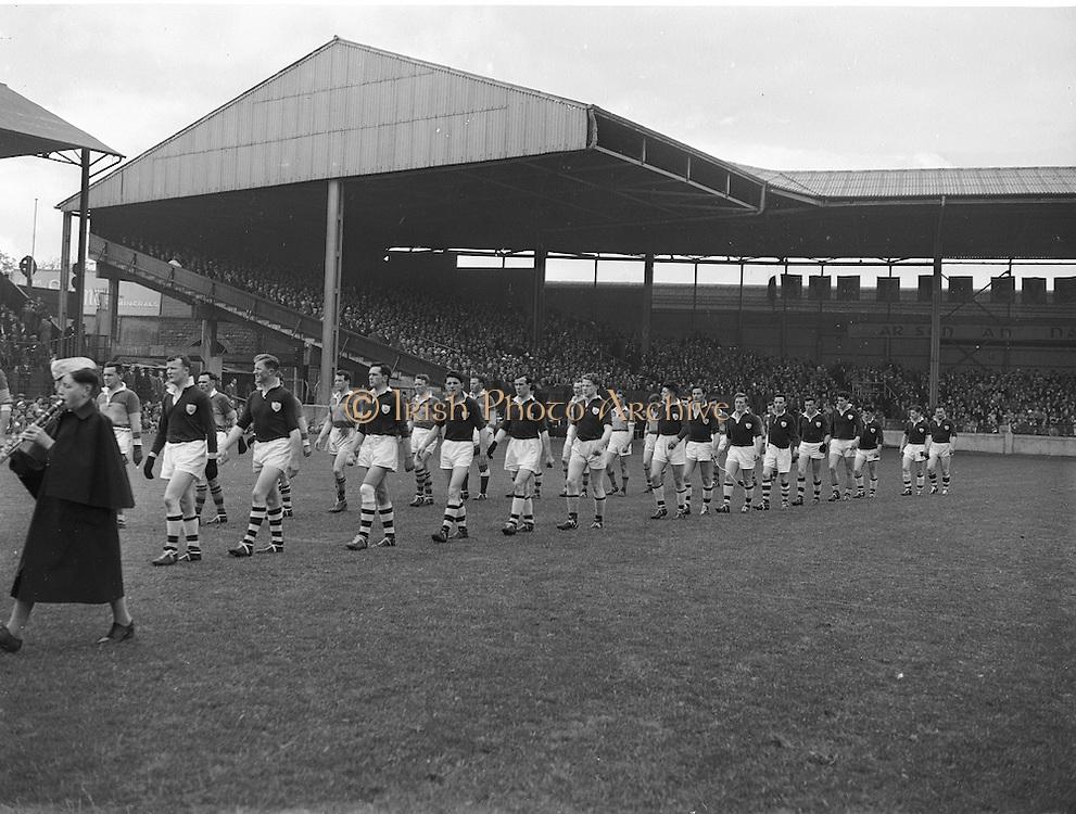 Neg no: A375/8428-8441...1957NFLF..00.00.1957..National Football League - Final..Galway.01-08..Kerry.00-06.