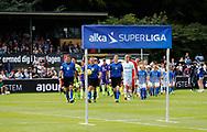 FODBOLD: De to hold går på banen til kampen i ALKA Superligaen mellem FC Helsingør og FC Midtjylland den 6. august 2017 på Helsingør Stadion. Foto: Claus Birch