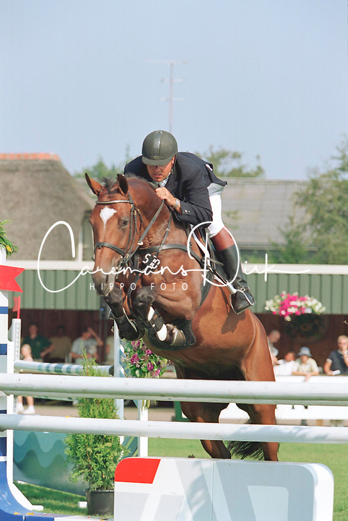 Laseur Johan-Inters Noilly Prat<br />KWPN Paardendagen  Ermelo 2001<br />Photo &copy; Dirk Caremans