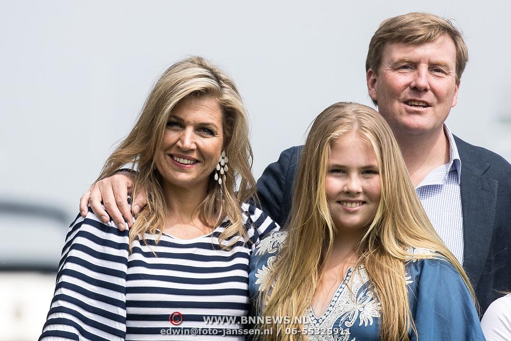 NLD/Warmond//20170707 - Koninklijke fotoshoot zomer 2017, Koning Willem Alexander, Koningin Maxima  en Prinses Amalia