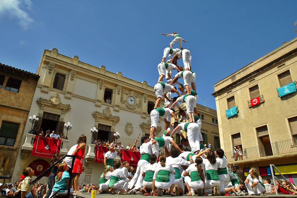 Traditional celebration in the small town of Villafranca, in Spain, where the people make huge human towers. Villafranca, Spain.Photo: Bernardo De Niz