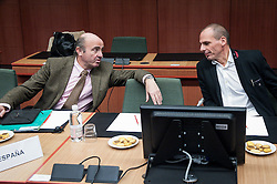 Spanish Economy Minister Luis de Guindos (L) and Greek Finance Minister Yanis Varoufakis during an emergency Eurogroup finance ministers meeting at the European Council in Brussels, Belgium on 20.02.2015 Eurogroup head Jeroen Dijsselbloem was working overtime on February 20 to save a make-or-break meeting on Greece's demand to ease its bailout programme as Germany insisted it stick with its austerity commitments after days of sharp exchanges, the 19 eurozone finance ministers gathered for the third time in little over a week to consider Athens' take-it or leave-it proposal to extend an EU loan programme which expires this month.  by Wiktor Dabkowski. EXPA Pictures © 2015, PhotoCredit: EXPA/ Photoshot/ Wiktor Dabkowski<br /> <br /> *****ATTENTION - for AUT, SLO, CRO, SRB, BIH, MAZ only*****