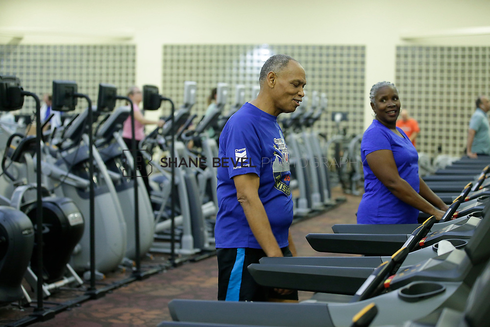 11/8/17 7:36:51 PM --  Charles and Shonda at Healthzone at SFHS. <br /> <br /> Photo by Shane Bevel