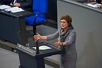 DEU, Deutschland, Germany, Berlin, 13.12.2017: Britta Haßelmann, Parlamentarische Geschäftsführerin B90/Die Grünen, bei einer Rede im Deutschen Bundestag.