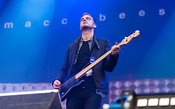 © Licensed to London News Pictures. 30/08/2015. Reading, UK. The Maccabees performing at Reading Festival 2015, Day 3 Sunday.  In this picture Rupert Jarvis. Photo credit: Richard Isaac/LNP
