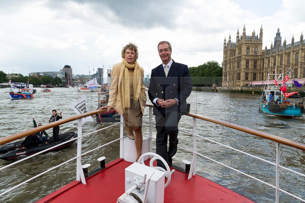 © Licensed to London News Pictures. 15/06/2016. KATE HOEY MP and UKIP party leader NIGEL FARAGE leads a pro-Brexit flotilla of boats down the River Thames urging voting in the British EU Referendum.  London, UK. Photo credit: Ray Tang/LNP