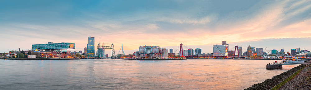 Panorama skyline van Rotterdam Super hi-res, hoge resolutie Hi-resolution