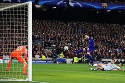 Gerard Pique of Barcelona fires a shot at goal - Mandatory by-line: Matt McNulty/JMP - 14/03/2018 - FOOTBALL - Camp Nou - Barcelona, Catalonia - Barcelona v Chelsea - UEFA Champions League - Round of 16 Second Leg