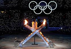 12-02-2010 ALGEMEEN: OLYMPISCHE SPELEN: OPENINGSCEREMONIE: VANCOUVER<br /> In het BC Place Stadium werd de openingsceremonie van de Olympische Winsterspelen Vancouver gehouden / De Olympische vlam en ringen<br /> ©2010-WWW.FOTOHOOGENDOORN.NL