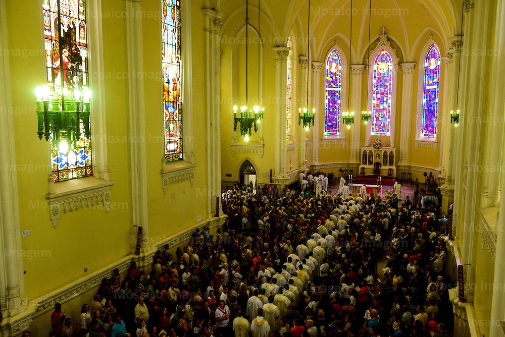 Brasil - Espirito Santo - Vitoria - Missa na Catedral Metropolitana de Vitoria - Foto: Gabriel Lordello/ Mosaico Imagem
