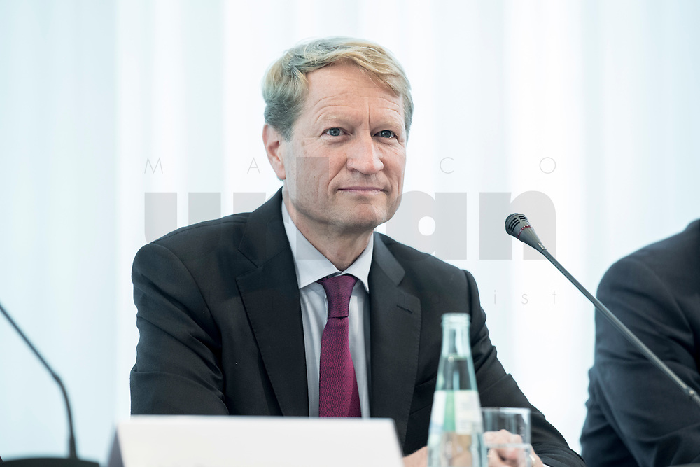 14 JUN 2018, BERLIN/GERMANY:<br /> Ulrich Wilhelm, Vorsitzender der ARD, Pressekonferenz zur Reform des Telemedienauftrags der oeffentlich-rechtlichen Rundfunkanstalten, Landesvertretung Rheinland.-Pfalz<br /> IMAGE: 20180614-01-010