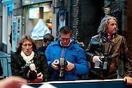 AMSTERDAM - In het Tuschinski Theater is de Nederlandse Triller 'Daglicht' in Premiere gegaan. Met op de foto vlnr Theo Smit, Edwin Janssen en Pepijn Leupen. FOTO LEVIN DEN BOER - PERSFOTO.NU