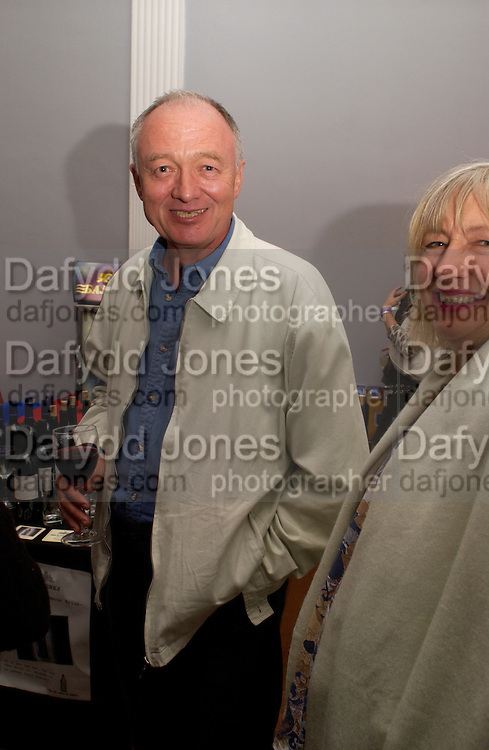 Ken Livingstone, Party at the I.C.A.  after the screening of Battleship Potemkin with a new soundtrack by the Pet Shop Boys. 12 September 2004. SUPPLIED FOR ONE-TIME USE ONLY-DO NOT ARCHIVE. © Copyright Photograph by Dafydd Jones 66 Stockwell Park Rd. London SW9 0DA Tel 020 7733 0108 www.dafjones.com