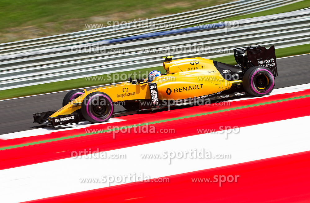 01.07.2016, Red Bull Ring, Spielberg, AUT, FIA, Formel 1, Grosser Preis von Österreich, Training, im Bild Jolyon Palmer (GBR) Renault Sport F1 Team // British Formula One driver Jolyon Palmer Renault Sport F1 Team during the Trainings for the Austrian Formula One Grand Prix at the Red Bull Ring in Spielberg, Austria on 2016/07/01. EXPA Pictures © 2016, PhotoCredit: EXPA/ Johann Groder
