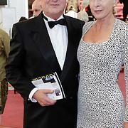 NLD/Amsterdam/201200704 - Inloop Koninging Beatrix bij afscheid Hans van Manen,
