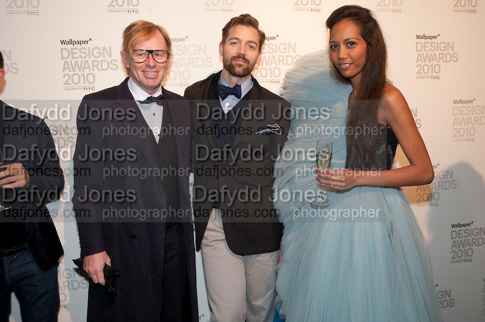 DAVID COLLINS; PATRICK GRANT; APPHIA MICHAEL, Wallpaper* Design Awards. Wilkinson Gallery, 50-58 Vyner Street, London E2, 14 January 2010 *** Local Caption *** -DO NOT ARCHIVE-© Copyright Photograph by Dafydd Jones. 248 Clapham Rd. London SW9 0PZ. Tel 0207 820 0771. www.dafjones.com.<br /> DAVID COLLINS; PATRICK GRANT; APPHIA MICHAEL, Wallpaper* Design Awards. Wilkinson Gallery, 50-58 Vyner Street, London E2, 14 January 2010