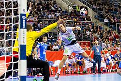 31.01.2016, Tauron Arena, Krakau, POL, EHF Euro 2016, Norwegen vs Kroatien, Spiel um Platz 3, im Bild Kent Robin Tonnesen (Nr. 15, Fuechse Berlin) gegen Ivan Stevanovic (Nr. 1, HC Ppd Zagreb). // during the 2016 EHF Euro 3rd place match between Norway and Croatia at the Tauron Arena in Krakau, Poland on 2016/01/31. EXPA Pictures © 2016, PhotoCredit: EXPA/ Eibner-Pressefoto/ Koenig<br /> <br /> *****ATTENTION - OUT of GER*****