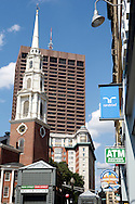 UNITED STATES-BOSTON-  PHOTO: Gerrit de Heus. VERENIGDE STATEN-BOSTON-Park Street Church. Rechts reclame voor Randstad uitzendbureau. PHOTO GERRIT DE HEUS