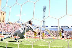 """Foto Filippo Rubin<br /> 13/05/2018 Ferrara (Italia)<br /> Sport Calcio<br /> Bologna - Chievo Verona - Campionato di calcio Serie A 2017/2018 - Stadio """"Renato Dall'Ara""""<br /> Nella foto: GOAL BOLOGNA SIMONE VERDI  (BOLOGNA) CONTRO STEFANO SORRENTINO (CHIEVO VERONA)<br /> <br /> Photo by Filippo Rubin<br /> May 13, 2018 Ferrara (Italy)<br /> Sport Soccer<br /> Bologna vs Chievo Verona - Italian Football Championship League A 2017/2018 - """"Renato Dall'Ara"""" Stadium <br /> In the pic: GOAL BOLOGNA SIMONE VERDI  (BOLOGNA) VS STEFANO SORRENTINO (CHIEVO VERONA)"""