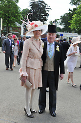 LORD FELLOWES and his wife LADY EMMA KITCHENER-FELLOWES at day 1 of the 2011 Royal Ascot Racing festival at Ascot Racecourse, Ascot, Berkshire on 14th June 2011.