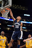 27 March 2007: Guard Dahntay Jones of the Memphis Grizzlies dunks the ball against the Los Angeles Lakers during the first half of the Grizzlies 88-86 victory over the Lakers at the STAPLES Center in Los Angeles, CA.