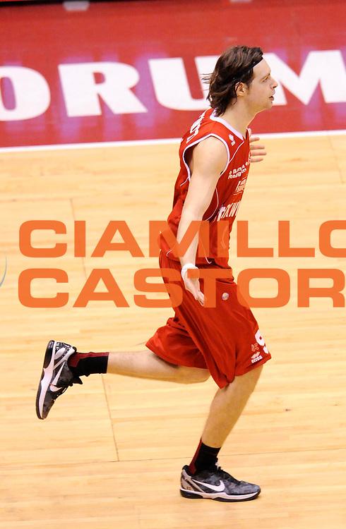 DESCRIZIONE : Milano Coppa Italia Final Eight 2013 Quarti di Finale Montepaschi Siena Trenkwalder Reggio Emilia<br /> GIOCATORE : Michele Antonutti<br /> CATEGORIA : Esultanza <br /> SQUADRA : Trenkwalder Reggio Emilia<br /> EVENTO : Beko Coppa Italia Final Eight 2013<br /> GARA : Montepaschi Siena Trenkwalder Reggio Emilia<br /> DATA : 08/02/2013<br /> SPORT : Pallacanestro<br /> AUTORE : Agenzia Ciamillo-Castoria/A.Giberti<br /> Galleria : Lega Basket Final Eight Coppa Italia 2013<br /> Fotonotizia : Milano Coppa Italia Final Eight 2013 Quarti di Finale Montepaschi Siena Trenkwalder Reggio Emilia<br /> Predefinita :