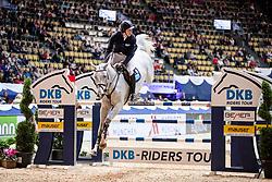 KREUZER Andreas (GER), Quinley<br /> München - Munich Indoors 2018<br /> Championat von München<br /> DKB-Riders Tour Qualifikation zur Wertungsprüfung<br /> 24. November 2018<br /> © www.sportfotos-lafrentz.de/Stefan Lafrentz