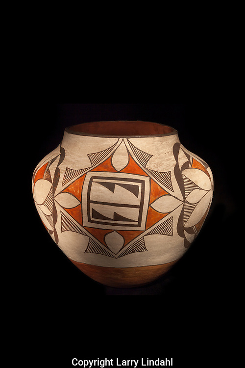 Acoma pot, Martin Link collection